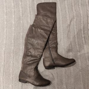 GREY THIGH HIGH PU LEATHER BOOTS